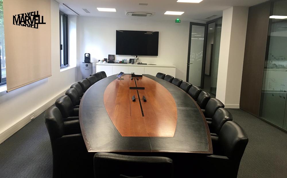 MarvellAvocats équipe ses salles de conférence d'une solution de projection sans fil : la Pulse Box